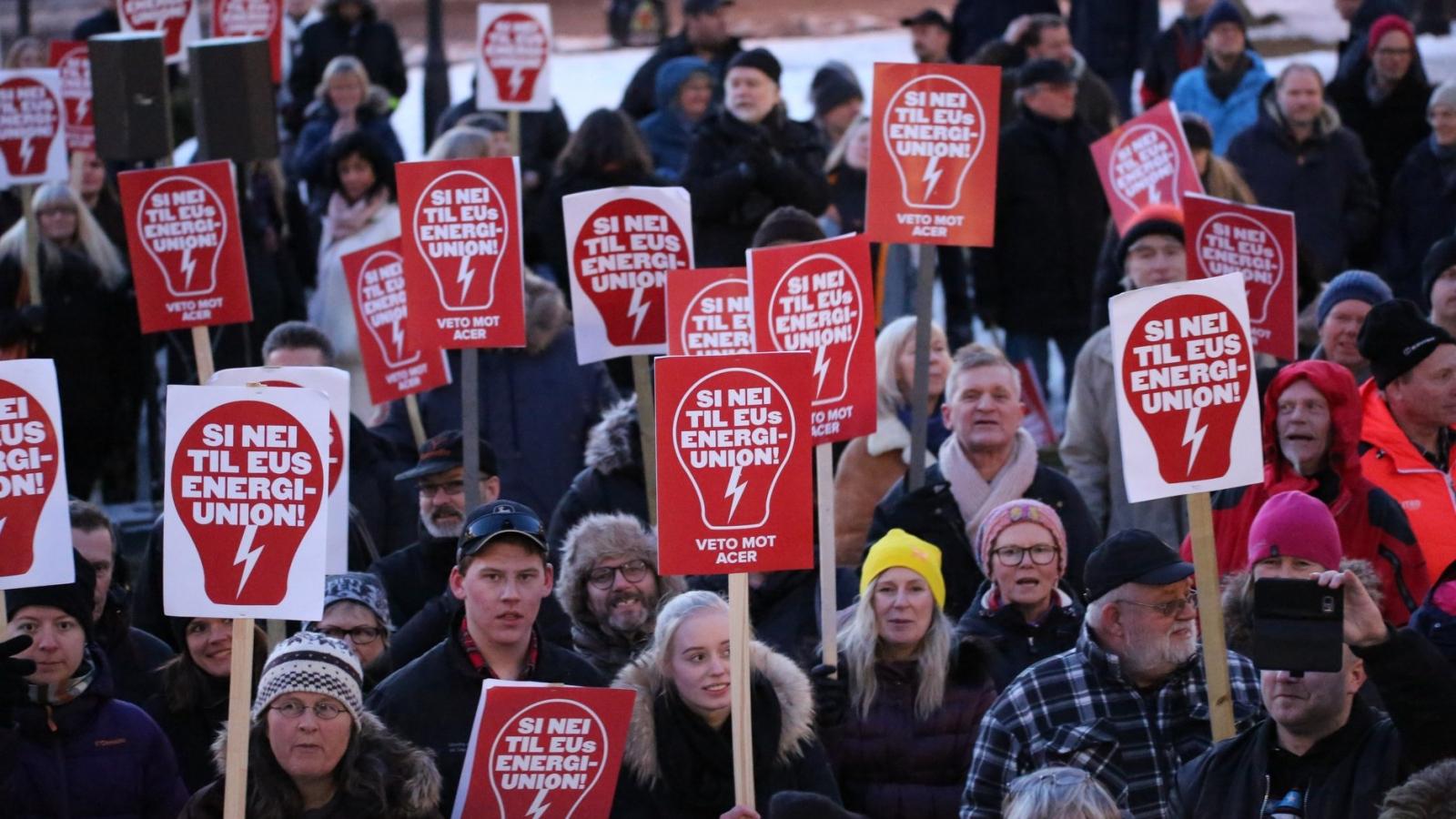 Stopp Acer-demonstrasjon ved Stortinget 19. mars 2018.
