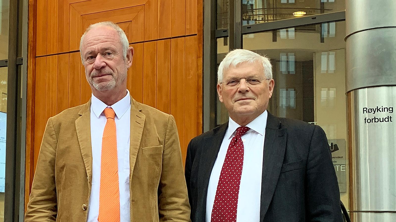 Nei til EUs advokater Bent Endresen og KjellBrygfjeldutenfor Tingretten da ACER-søksmålet ble behandlet der.