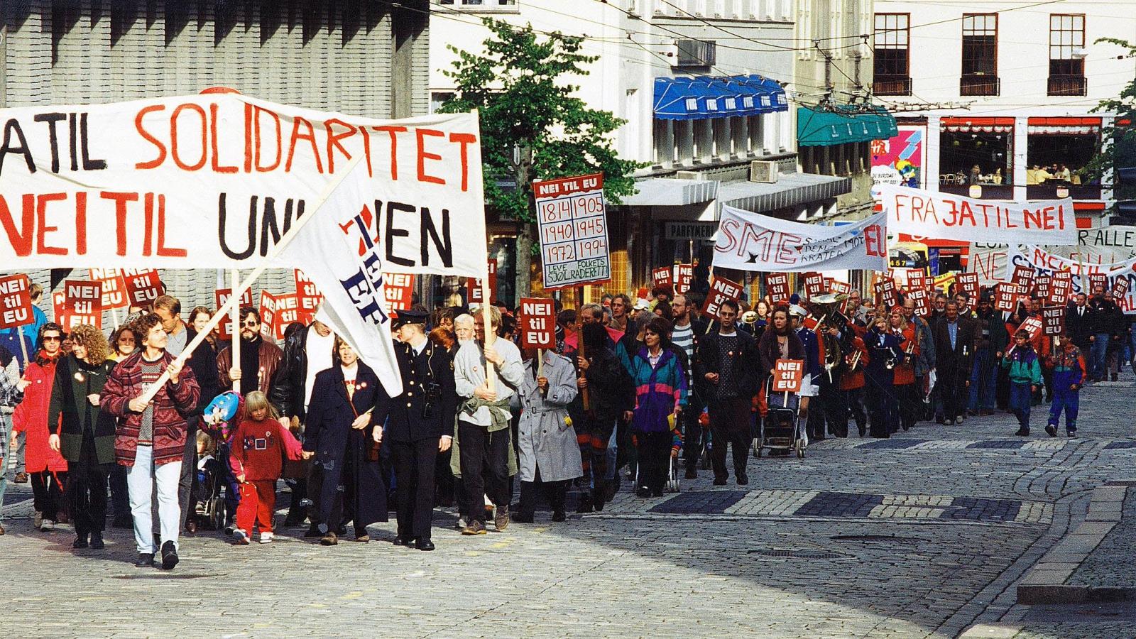 Viktig argument for nei-sida. Kampen mot narkotika var et sentralt argument  for nei-sida under EU-kampen fram mot folkeavstemningen. Bildet er fra Bergen 1. mai 1994.