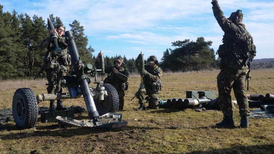 Nederlandske soldater trener i Grafenwoehr, Tyskland, for sertifisering som EU-kampgruppe i 2014.