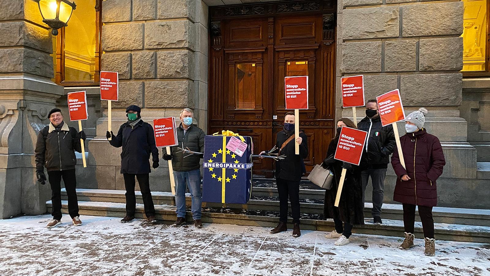 Nei til EU markerte åpningen av Høyesteretts behandling i januar ved å sende EUs energipakke i retur.