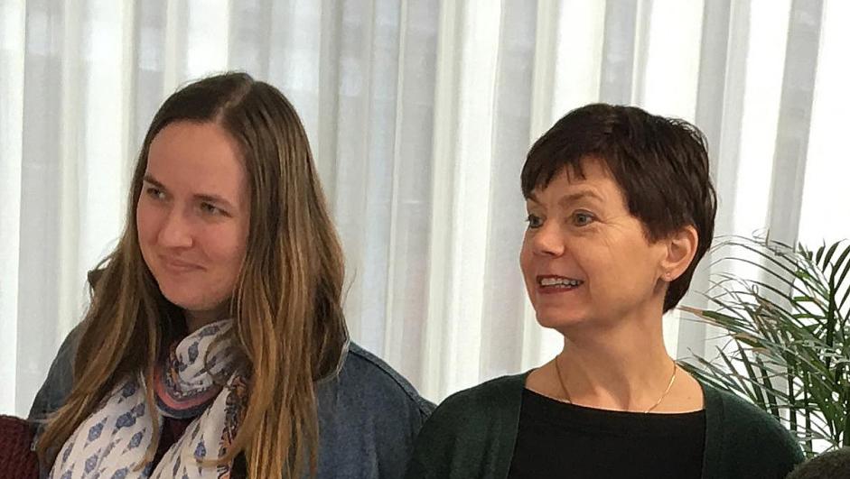 Reidun Heggen, leder i Ungdom mot EU, og Margaret Eide Hillestad, leder i Nei til EUs kvinneutvalg.