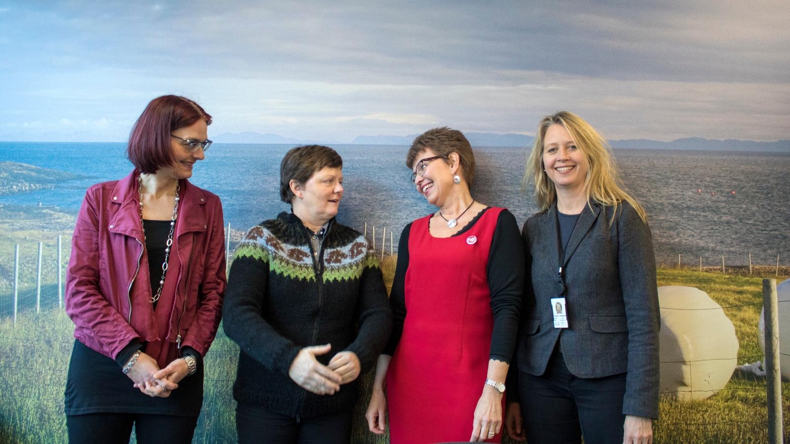 Helle Hagenau, leder i Nei til EUs internasjonale utvalg, Erna Bjarnadottir, leder i Heimssyn, Kathrine Kleveland og Hildegunn Gjengdal, ansatt i Bondelaget og sitter i Nei til EUs landbrukspolitiske utvalg.