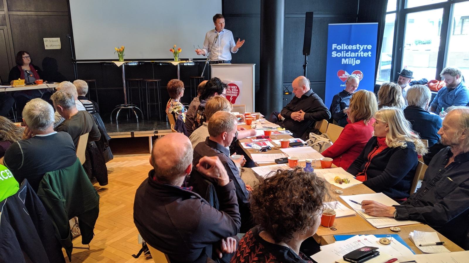 Bondelagets leder Lars Petter Bartnes, her fra Nei til EUs rådsmøte i 2019.