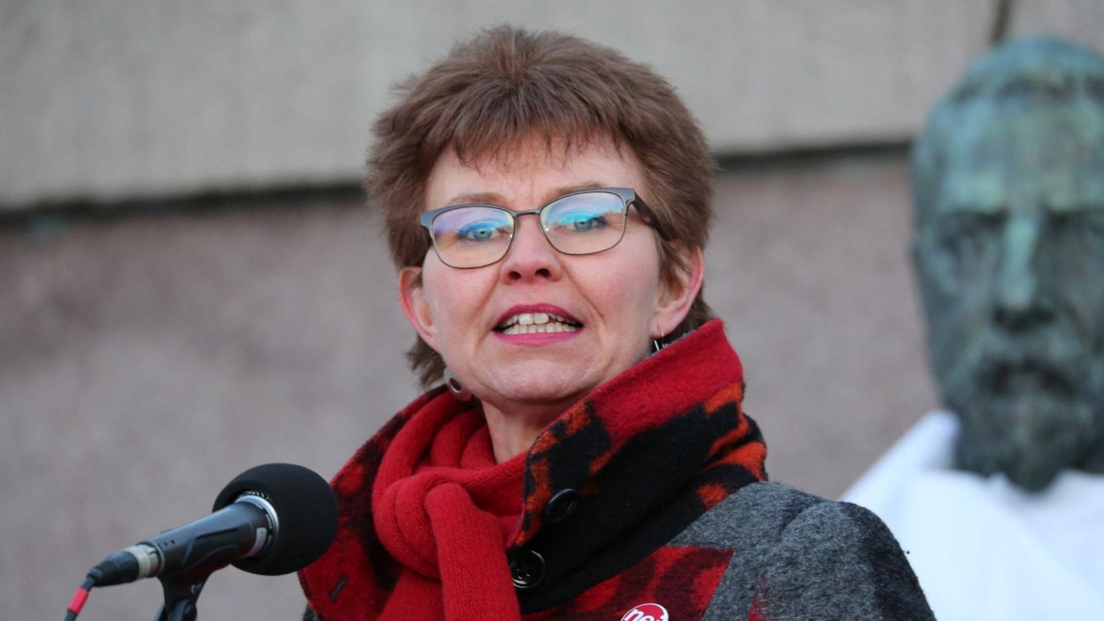 Kathrine Kleveland på Stopp Acer-demonstrasjon 19. mars 2018.