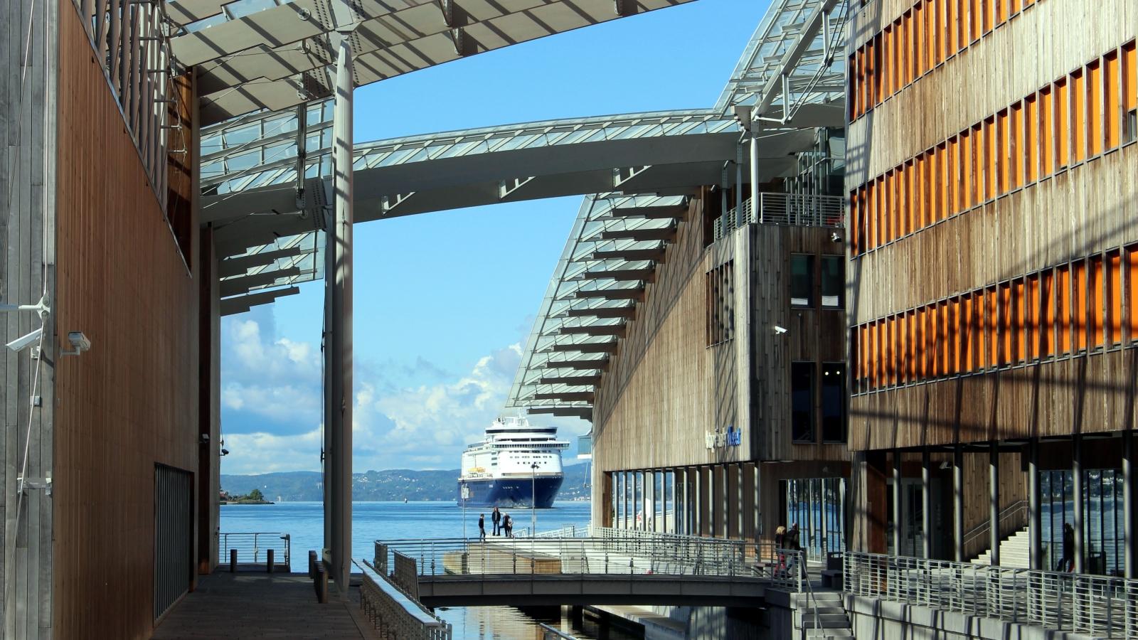 Color Line legger til på Oslo havn.
